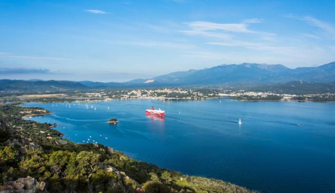 Ferry de la Corsica Linea à Porto Vecchio