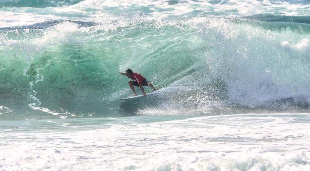 La fin de l'été, les plages pour les surfeurs corses
