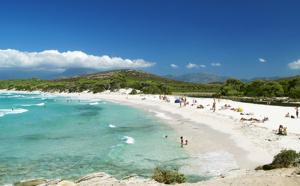 Bons plans pour profiter des plages en Corse à moindre coût